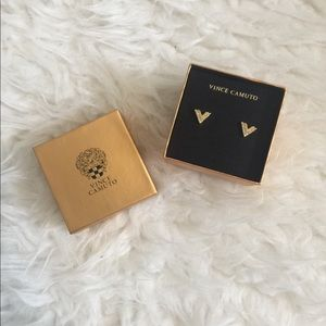 Vince Camuto gold diamond stud earrings